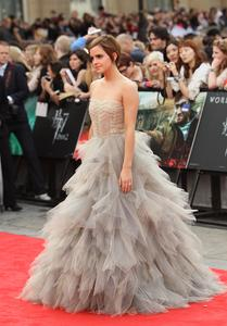 Эмма Уотсон, фото 566. Actress Emma Watson attends the World Premiere of Harry Potter and The Deathly Hallows - Part 2 at Trafalgar Square on July 7, 2011 in London, England., photo 566