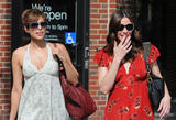Eva Mendes (Ева Мендес) - Страница 2 Th_52245_Liv_Tyler_and_Eva_Mendes_walk_in_the_West_Village_May_1_2010_06_122_190lo