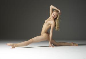 Margot - Young Spirit [Zip]h57q458m0l.jpg