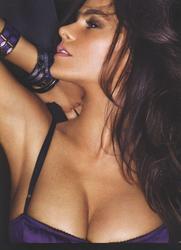 Sofia Vergara en lingerie dans FHM Magazine 2010 - Mitolover