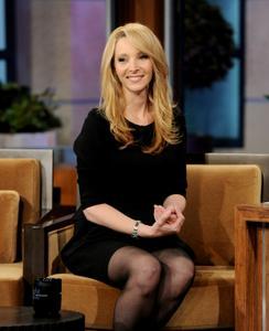 Лиса Кудроу, фото 7. Lisa Kudrow The Tonight Show with Jay Leno - July 05, 2011, photo 7